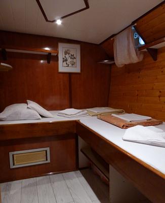 2lůžková kajuta - postele do L