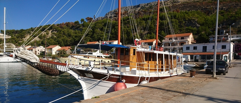 Motorová loď Teodora