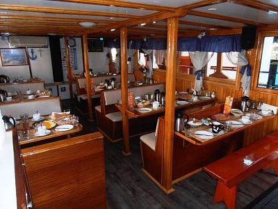 Lodní salón pro 34 osob - snídaně