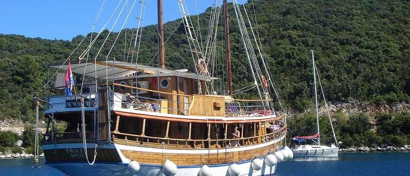 Motorová loď Vruja